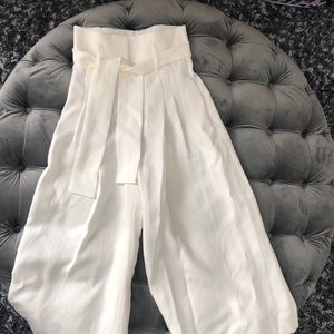 White wide leg pants, high waist. Like new